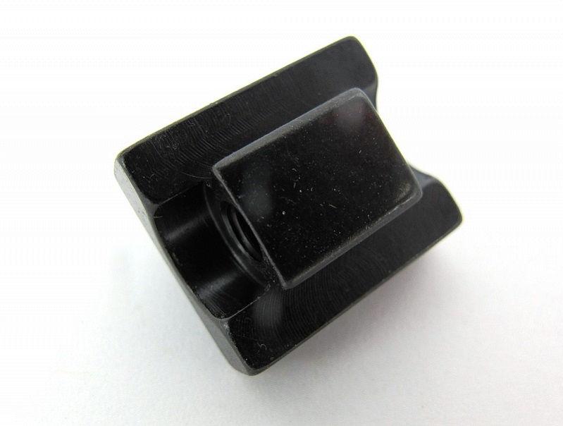 Основание - стойка задней ноги поворотного кронштейна EAW Apel высотой 5,5 мм